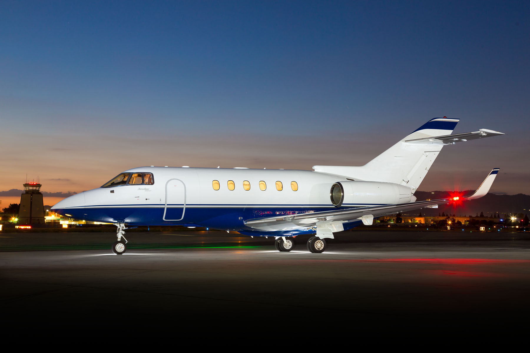 Hawker 900XP charter buy for sale manage management