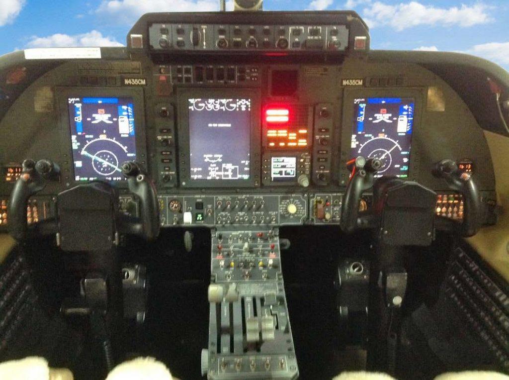 Cockpit of 2005 Piaggio Avanti II